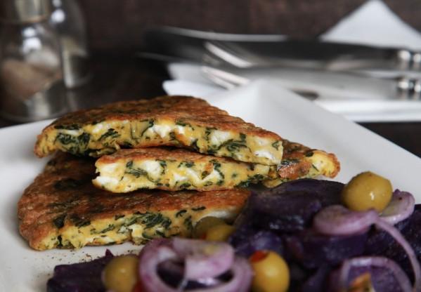 lilaburgonya saláta spenótos sajtos omlettel 2