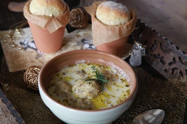 savanyú halgombócleves fetás kenyérrel 2